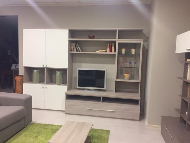 Parete soggiorno moderna perosino arredamenti for Parete soggiorno moderna